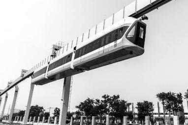 """国内最高速""""空中列车""""下线"""