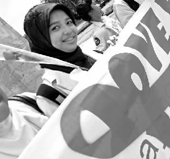 印尼大学生上街宣传世界艾滋病日