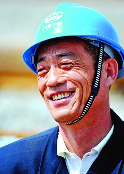 专家学技术工人—窦铁成 - 花開有聲 - 花開有聲