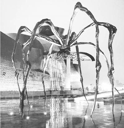 """亲""""的巨型蜘蛛雕塑"""