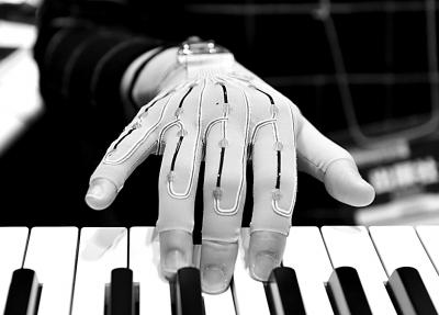 手套能记录钢琴指法图片