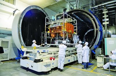 光明日报:嫦娥五号 中国航天的新...