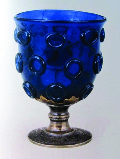 宝生琉璃bt_宝蓝色琉璃杯